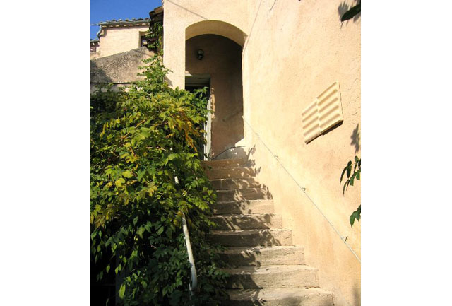 Lourmarin bonvoyage for Ancienne maison des gardes lourmarin france